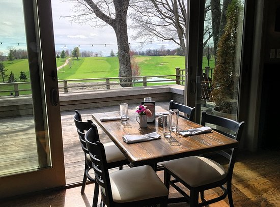 Copake, นิวยอร์ก: A table with a view in our dining room!