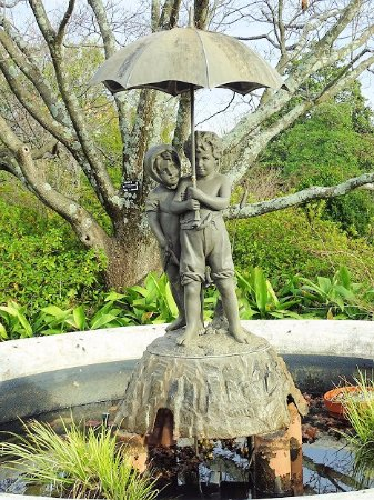 "Oakland Cemetery: ""out in the rain"" fountain"