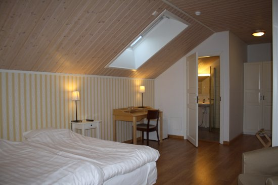 Nagu, Finlandia: Accommodation in high standard Hotel Stallbacken on the 2nd floor.
