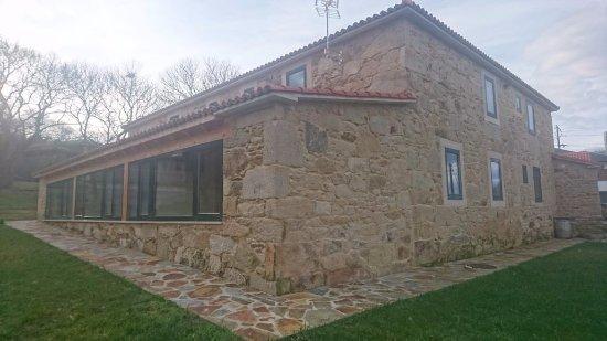 Palas de Rei, Spain: Foto del hotel mostrando que todas sus habitaciones dan al exterior