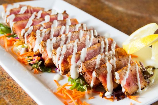 Severna Park, Μέριλαντ: Seared Tuna, Ahi Tunia seared rare with a Thai spice rub and drizzled with a wasabi sauce.