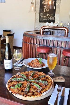 Wellington, Sydafrika: Pizza and beer