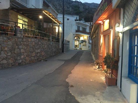 Elia Traditional Cretan Taverna: photo1.jpg