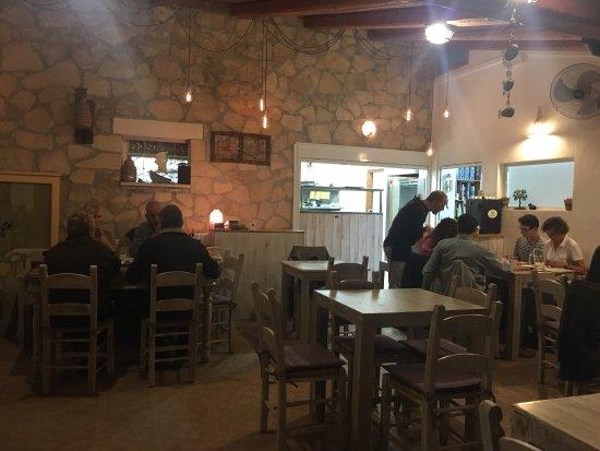 Elia Traditional Cretan Taverna: photo2.jpg