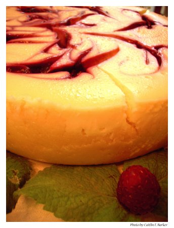 Swannanoa, NC: We do special orders. Birthday Cheesecake for Happy Customer