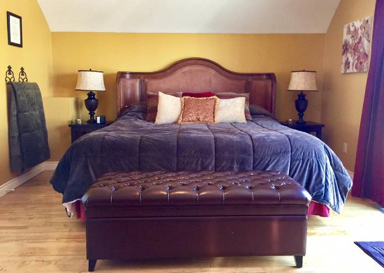 Lake Breeze Inn Bed And Breakfast