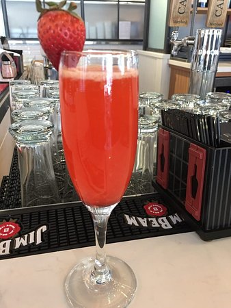 Owings Mills, MD: Strawberry Mimosa