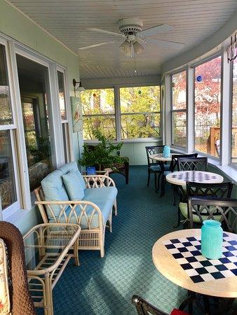 Bemidji, MN: Three Season Porch