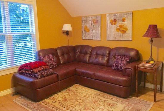 Bemidji, MN: Upstairs Living Area