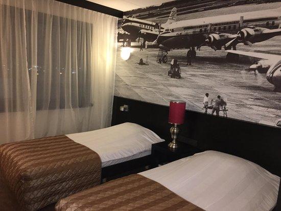 Hoofddorp, هولندا: Trevligt rum på Bastion Hotel Amsterdam Airport, foto Micke Rehn