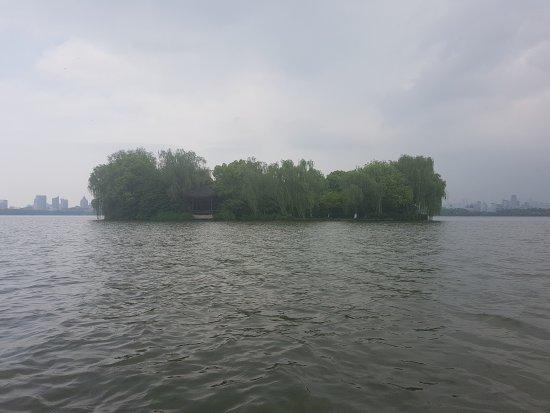 West Lake (Xi Hu): 20170420_065901_large.jpg