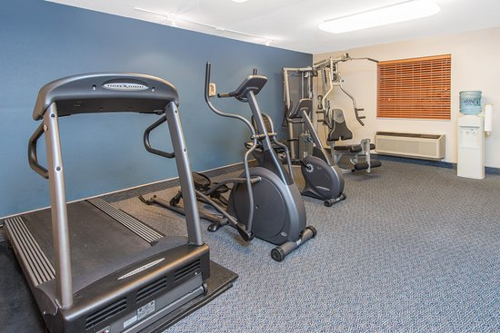 Ramada Springfield North: Work out room