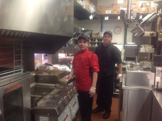 Highlands Ranch, Κολοράντο: Some of our Kitchen Crew