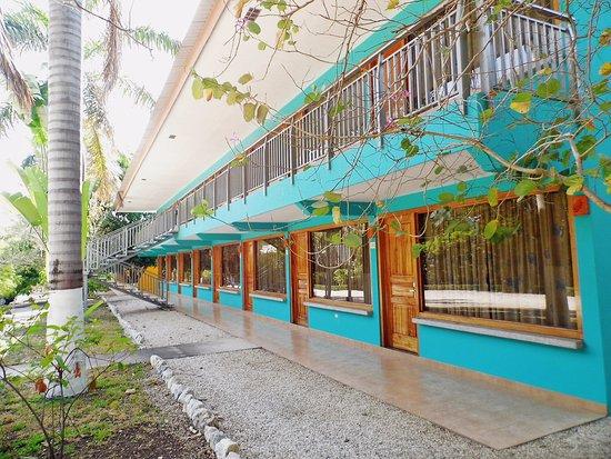 Nicoya, Costa Rica: Vista de nuestro edificio de habitaciones pequeñas