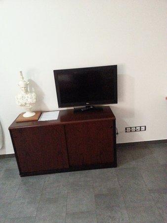 Livingirona Apartments : The sitting room.