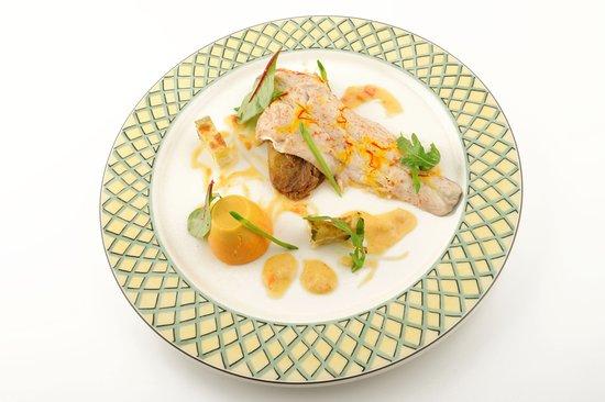 Bielle, France: Cuisine élaborée avec des produits frais et de saison