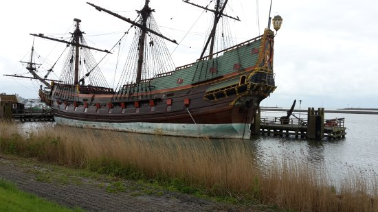 Provinz Flevoland, Niederlande: closer to the ship