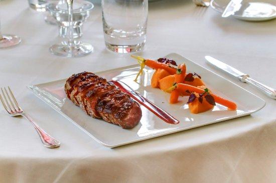 Chateau d'Etoges : Menu gourmand et diner à la carte CHateau d Etoges