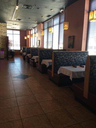 Westlake, OH: Dine-in Room