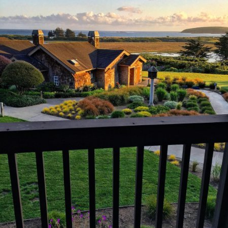 Bodega Bay Lodge: The evening view from room #407