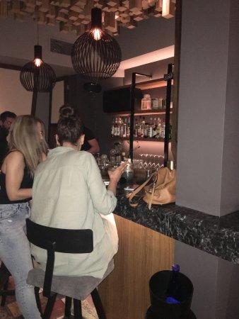 Chalandri, Greece: The bar at Yoshi