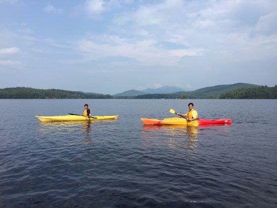 Saranac Lake, نيويورك: Kayaking on Lower Saranac Lake.