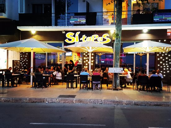 Si Tapas Lounge : imagen nocturna
