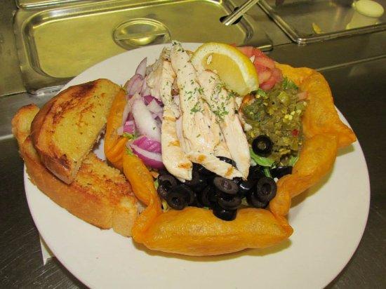 Πορτ Άλμπερνι, Καναδάς: Text Mex Chicken Salad.  soo good Mix it up a bit and have it wish spicy beef.