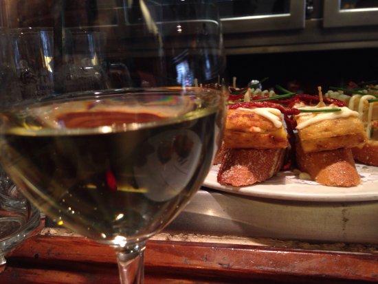 Irati Taverna Basca: photo0.jpg