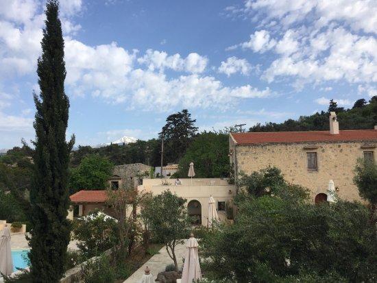 Adele, Yunanistan: Un havre de paix pour ceux qui aiment l'authenticité, le calme et la bonne cuisine.