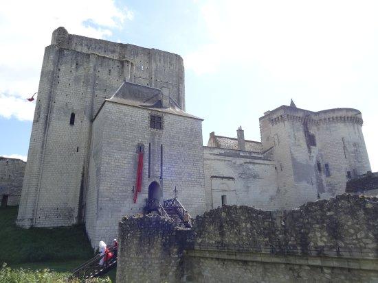 Loches, فرنسا: le donjon et le chateau
