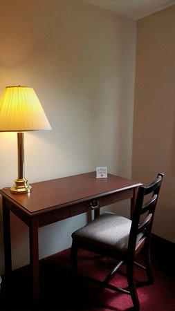 Saukville, WI: In room Desk