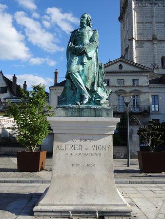 Loches, فرنسا: à la mémoire d'Alfred de VIGNY