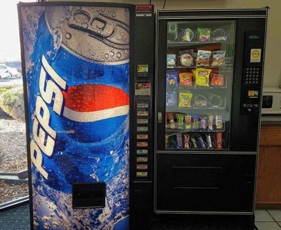 Saukville, WI: vending Area