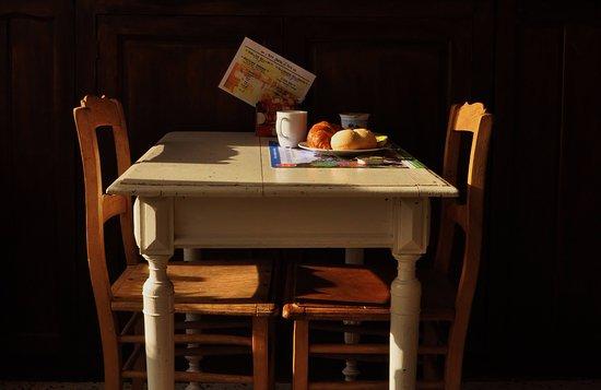 Bievre, Belgium: In alle rust ontbijten