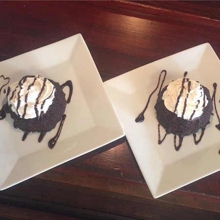 Wine and Cafe on the Park: Chocolate Lava Cake
