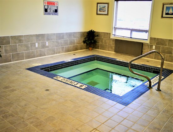 Hudson's Hope, Kanada: Needing to relax after a long day?  Take advantage of our indoor Hot Tub