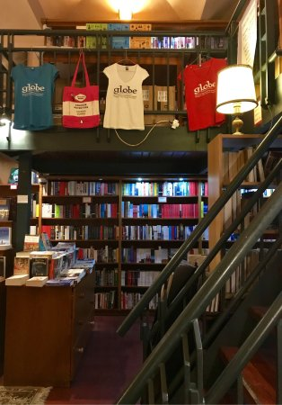 Globe Bookstore and Cafe: photo0.jpg