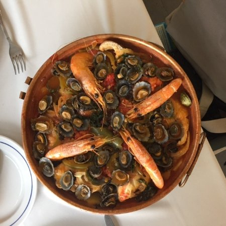 Madalena, Portugal: Seafood Cataplana, a specialty of the restaurant