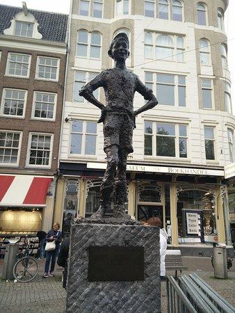 "Statue ""Amsterdams Lieverdje"""