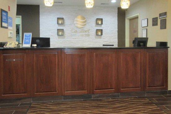North Aurora, IL: Front Desk