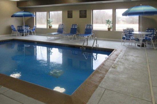 North Aurora, IL: Swimming Pool - Heated