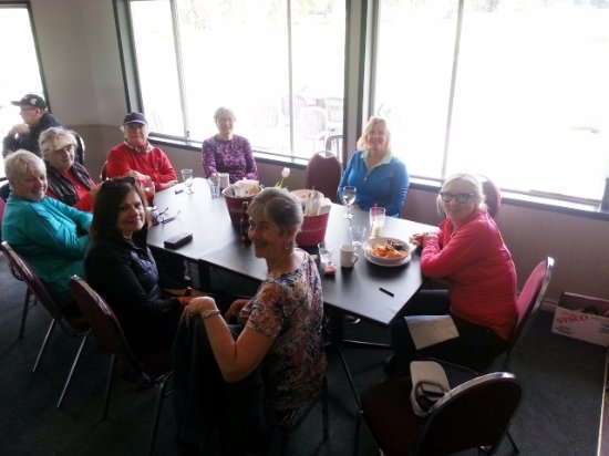 Powell River, Canada: The lovely ladies enjoying lunch at the Orca Bar & Grill at Myrtle Point
