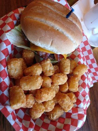 Bicknell, Γιούτα: Burger mit Beilage