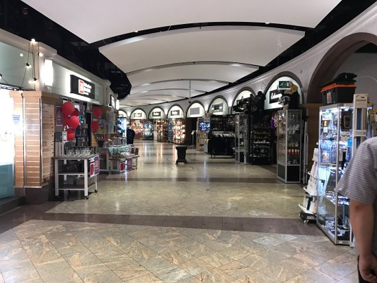 Meadowhall Shopping Centre : photo0.jpg