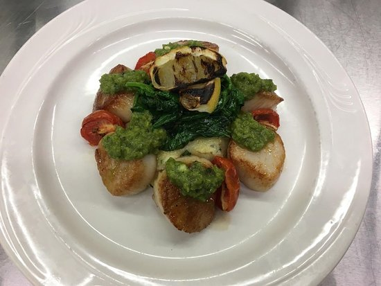 The Beefeaters Restaurant : Pan Seared Scallops