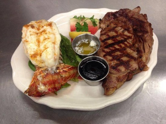 Bradford, PA: Beefeaters' Surf & Turf, the areas best beef and seafood selections!