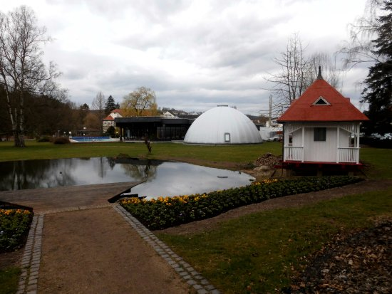 Bad Salzschlirf, ألمانيا: Therme vom Kurpark aus