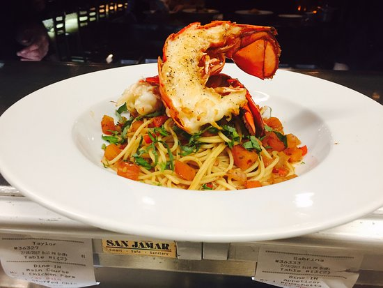 Bowmanville, Canada: Lobster Linguine Dinner Feature