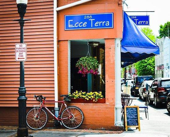 Kingston, NY: Ecce Terra